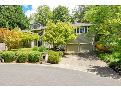 Lake Oswego Single Family Home For Sale: 18263 Anduin Ter