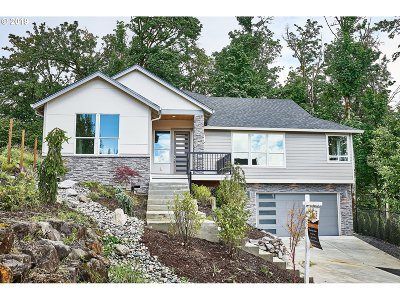 Washougal Single Family Home For Sale: 960 Fairway Dr