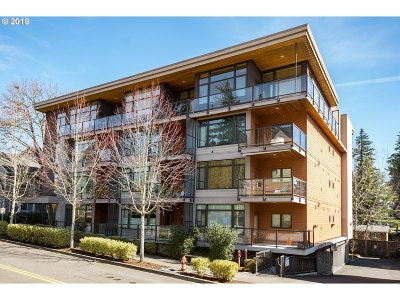 Portland Condo/Townhouse For Sale: 7910 SW 31st Ave #301