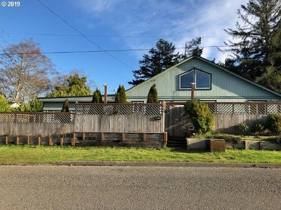 Coos Bay Single Family Home For Sale: 333 N Cammann
