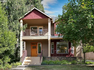 Portland Multi Family Home For Sale: 8012 SW 64th Ave