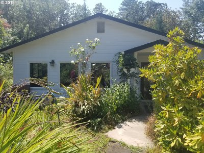 Roseburg Single Family Home For Sale: 7612 Oak Hill Rd