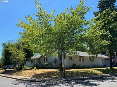 Eugene Multi Family Home For Sale: 5552 Burnett Ave