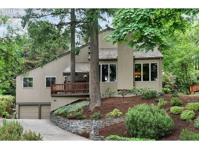 Lake Oswego Single Family Home For Sale: 31 Partridge Ln