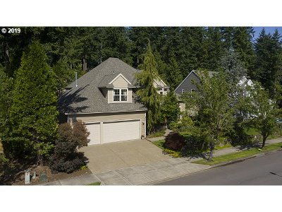 West Linn Single Family Home For Sale: 19637 Suncrest Dr