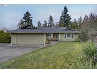 Milwaukie Single Family Home For Sale: 16230 SE Dagmar Rd