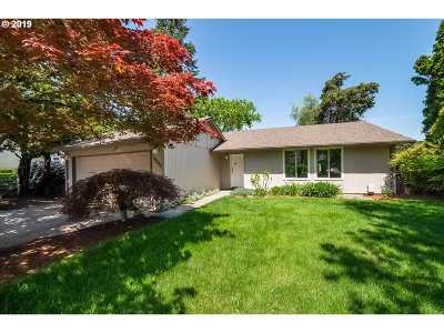 Single Family Home For Sale: 19645 SW Prospect Ln