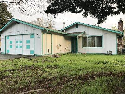 Portland Single Family Home For Sale: 16738 SE Stephens St