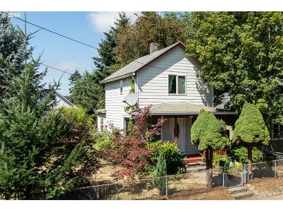 Portland Single Family Home For Sale: 4433 SE 53rd Ave
