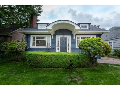 Portland Single Family Home For Sale: 3424 NE Fremont St