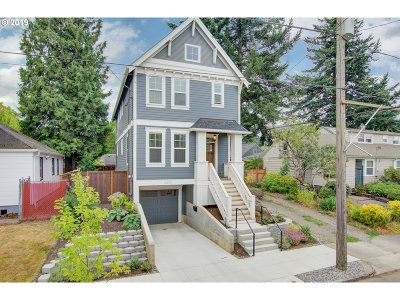 Portland Single Family Home For Sale: 2470 NE Highland St