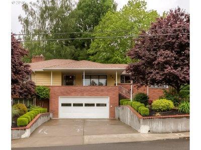 Salem Single Family Home For Sale: 2430 Summer St SE
