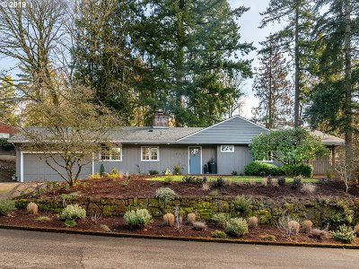 Portland Single Family Home For Sale: 4610 SW 37th Ave