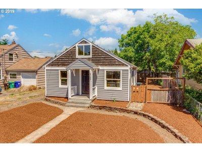 Single Family Home For Sale: 5125 SE Knapp St