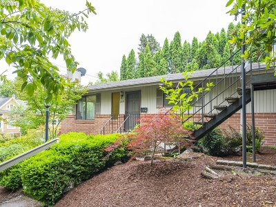 Portland Multi Family Home For Sale: 204 SW Woods St