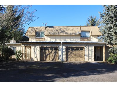 Springfield Multi Family Home For Sale: 1366/1368 R St