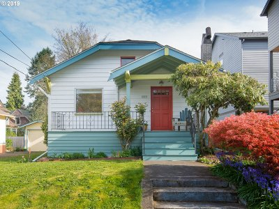 Single Family Home For Sale: 3027 SE Pine St