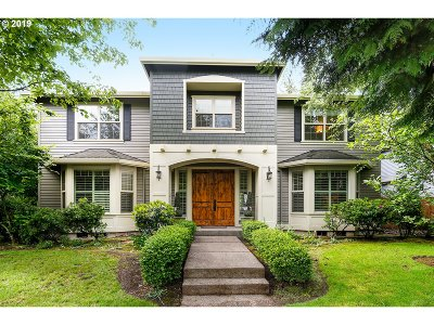 Lake Oswego Single Family Home For Sale: 15815 Allison Pl