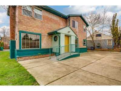Portland Multi Family Home For Sale: 3021 SE 122nd Ave