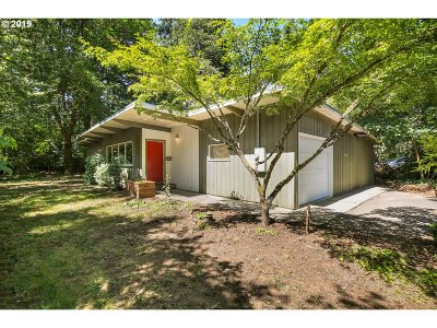 Lake Oswego Single Family Home For Sale: 16317 Bonaire Ave