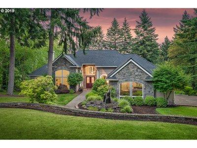 Beaverton Single Family Home For Sale: 10424 SW Forest Ridge Pl