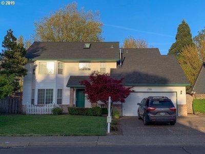 Single Family Home For Sale: 1788 NE Trisha Dr