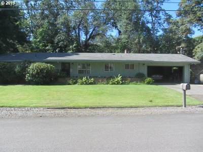 Roseburg Single Family Home For Sale: 2161 W Foothill Dr