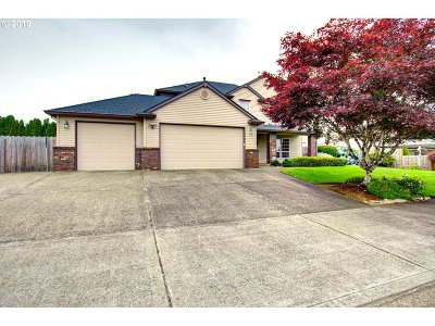 Oregon City Single Family Home For Sale: 11895 Hartwood Dr