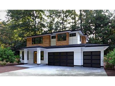 Lake Oswego Single Family Home For Sale: 13344 Briarwood Ln