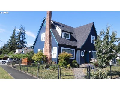 Coquille Single Family Home For Sale: 600 E 3rd
