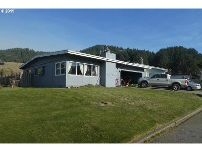 Gold Beach OR Single Family Home Bumpable Buyer: $175,000