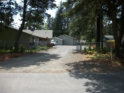 Coos Bay Single Family Home For Sale: 90714 Hollywood Ln