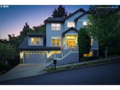 Portland Single Family Home For Sale: 9847 NW Skyline Heights Dr