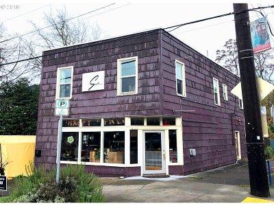 Portland Single Family Home For Sale: 4135 SE Gladstone St