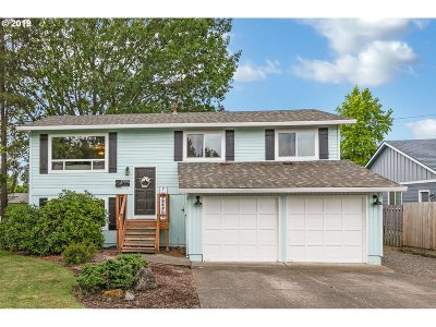 Tualatin Single Family Home For Sale: 17970 SW 105th Ct