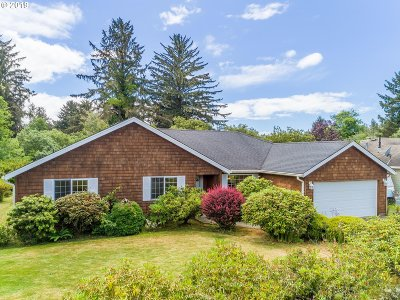 Warrenton Single Family Home For Sale: 33744 Lake Front Dr