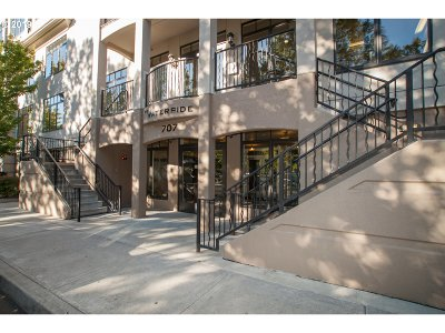 Condo/Townhouse For Sale: 707 N Hayden Island Dr #421