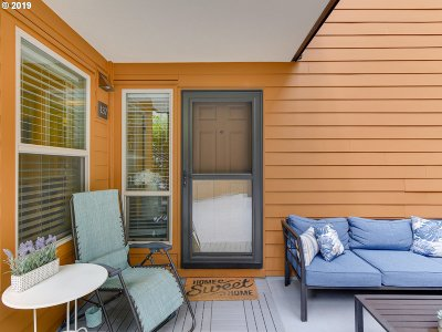 Portland Condo/Townhouse For Sale: 1535 SW Clay St #137