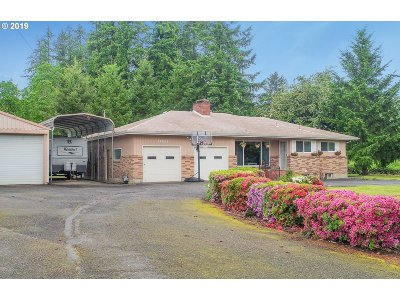Scappoose Single Family Home For Sale: 33931 SE Elm St