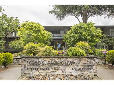 Lake Oswego Condo/Townhouse For Sale: 16250 Pacific Hwy #56