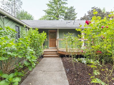 Single Family Home For Sale: 6205 SW Wilson Ave