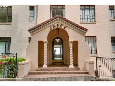 Portland Condo/Townhouse For Sale: 2336 SW Osage St #606
