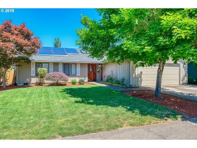 Beaverton Single Family Home For Sale: 16785 SW Whitley Way