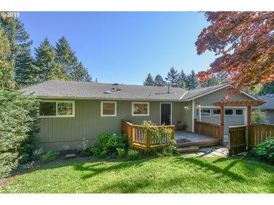 Portland Single Family Home For Sale: 3915 SW Pendleton St
