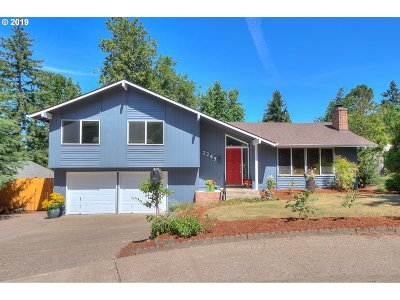 Single Family Home For Sale: 2245 Brittany St