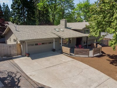 Portland Single Family Home For Sale: 6650 SW Gable Pkwy