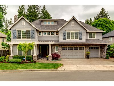 Lake Oswego Single Family Home For Sale: 4125 Casey Ct