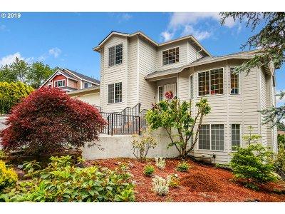 Gresham Single Family Home For Sale: 2929 SE 186th Pl