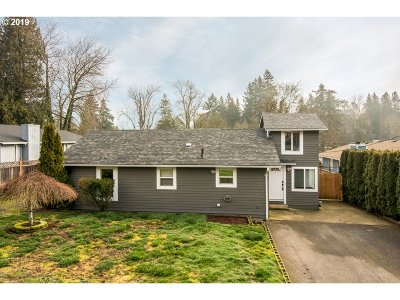 Milwaukie Single Family Home For Sale: 12700 SE 27th Ave