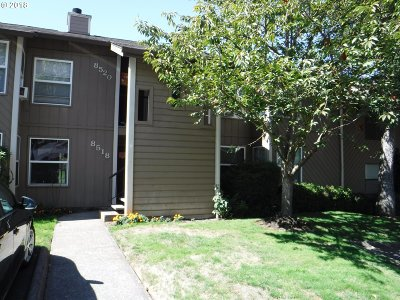 Tualatin Condo/Townhouse For Sale: 8516 SW Mohawk St